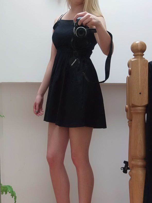 Suknie i sukienki Rozkloszowana Sukienka Bershka xs