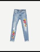 ZARA haftowane jeansy