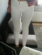 Jeans rurki wysoki stan białe S M