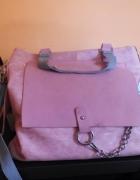 Różowa pastelowa torebka z szarymi wstawkami