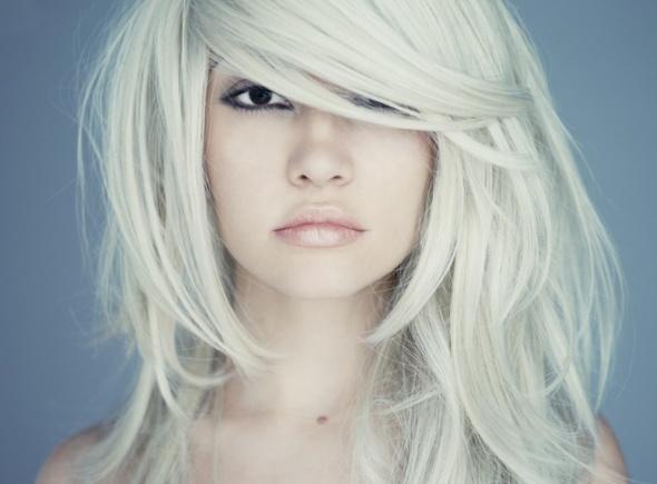 10 sposbów na dodanie objętości cienkim włosom...