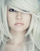 10 sposbów na dodanie objętości cienkim włosom