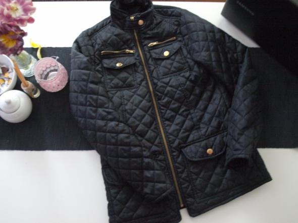 Odzież wierzchnia czarna pikowana kurtka