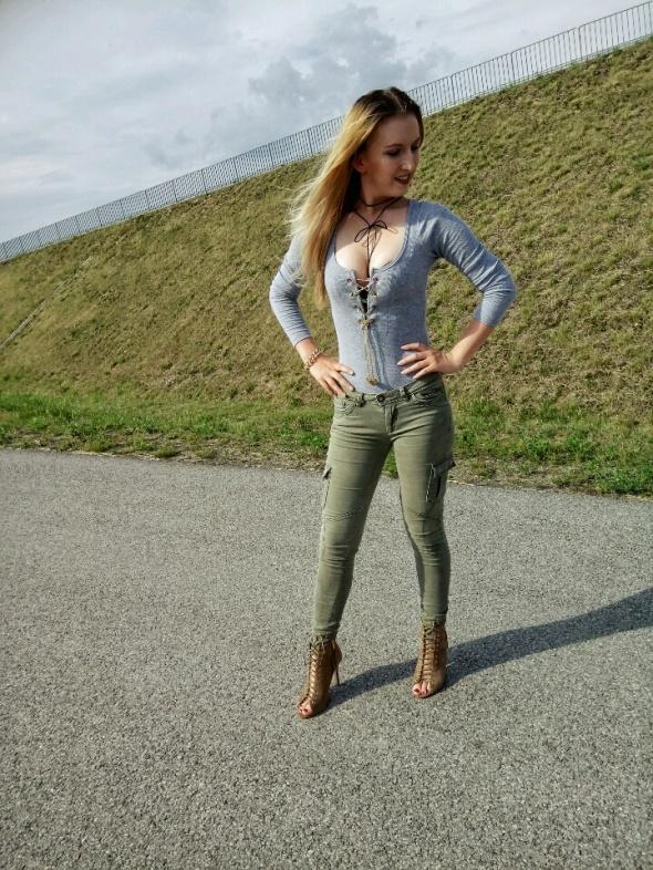 Blogerek Khaki and gray
