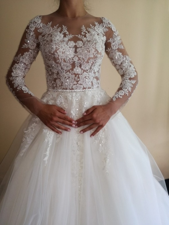 Wieczorowe Ekskluzywna suknia ślubna z zagranicy tren