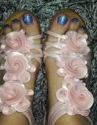 kwieciste sandałki