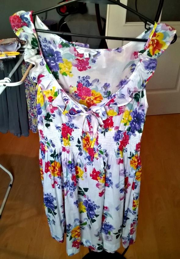 Suknie i sukienki new look M