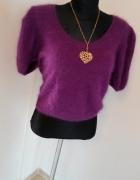 Subtelny zmysłowy sweterek fioletowy włochacz