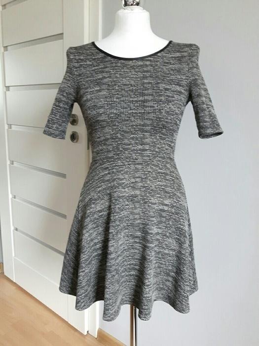 Suknie i sukienki Sukieneczka rozkloszowana idealna na jesień H&M S