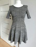 Sukieneczka rozkloszowana idealna na jesień H&M S