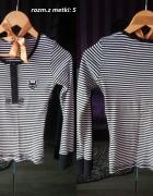 Bluzka biało czarna w paski