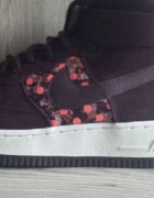 Nike WMNS Air Force 1 HI LIB QS 40...
