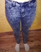 Marmurkowe Spodnie Rurki Jeansy...