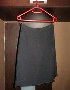 Elegancka czarna spódnica asymetryczna ukośna r 38
