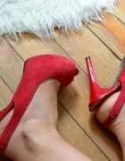 Sandałki na platformie Guess czerwone...