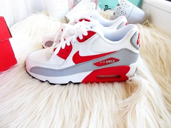 Nike air max maxy 90 essential...