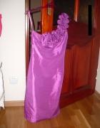 Sukienka z falbaną...