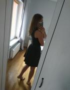 czarna sukienka ekoskóra