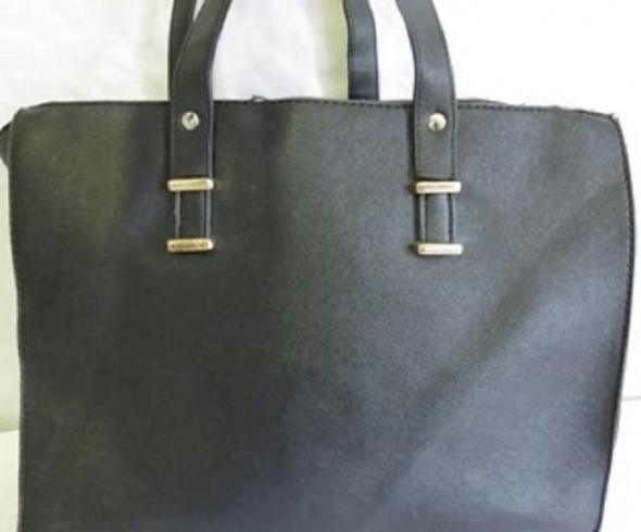 Kolejna czarna Shopperka z Sinsay