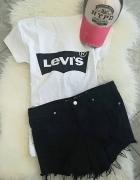 Levis czarne logo