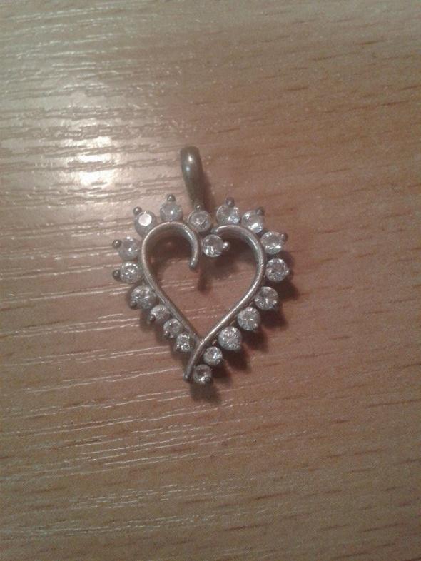 srebrne serce z cyrkoniami