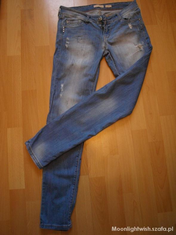 Spodnie jeansy Stradivarius rozmiar S