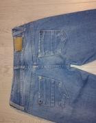 BERSHKA spodnie jeansowe...