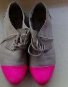 półbuty h&m beżowe z różowymi noskami...