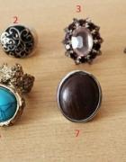 Kolorowe pierścionki sprzedawane pojedyńczo...