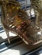 Złote szpilki sandałki wiązane rozm 40 vices