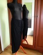 40 L Czarna długa spódnica maxi z asymetrycznym ro...
