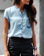 Skórzane szorty i koszula dżinsowa