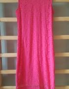 Sukienka malinowa koronkowa klasyczna