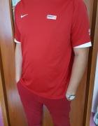 Sportowa koszulka Nike...