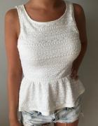 bluzka koronkowa z baskinką biała