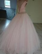Różowa suknia dla najpiękniejszej księżniczki