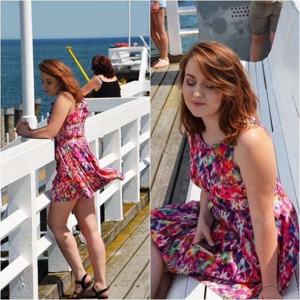 Codzienne Stylizacja z kolorową sukienką