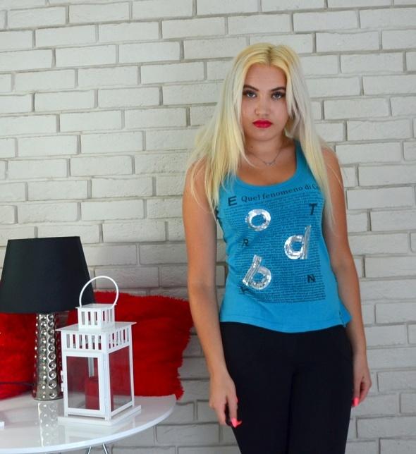 Bluzki Niebieska bokserka z cekinami napisy