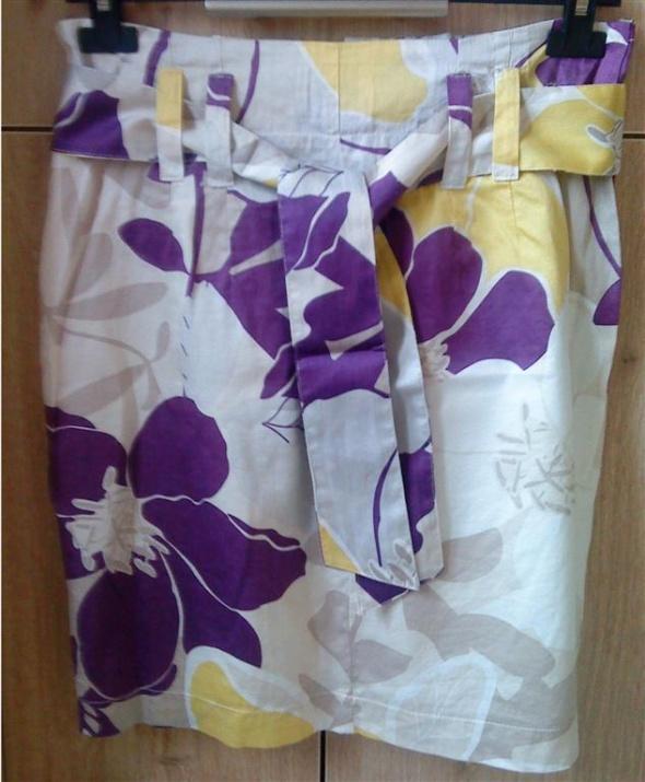 Spódnice spódnica w kwiaty M