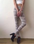 Miękkie legginsy we wzory