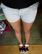 Jeansowe spodenki przetarcia...