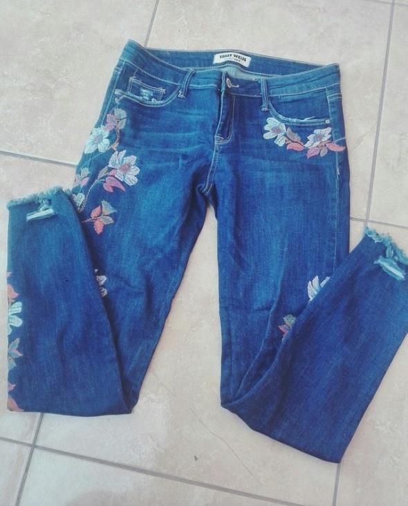 Spodnie jeans z haftem tally weijl...