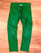 Zielone spodnie jeansy HM S