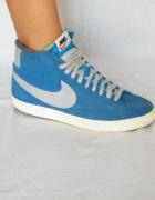 Nike Blazer Mid Premium...