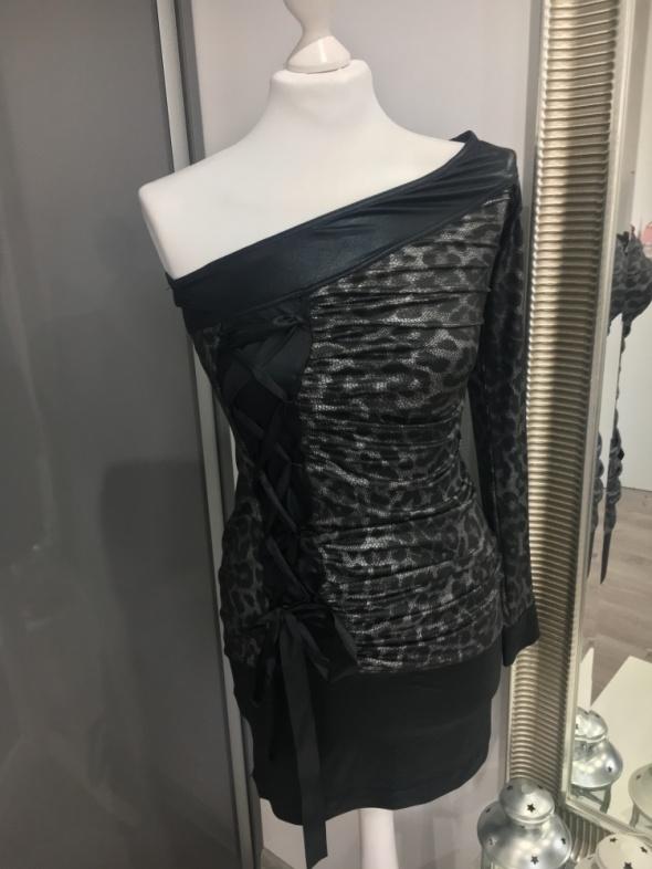 Wężowa sukienka Noa Fashion z tasiemką...