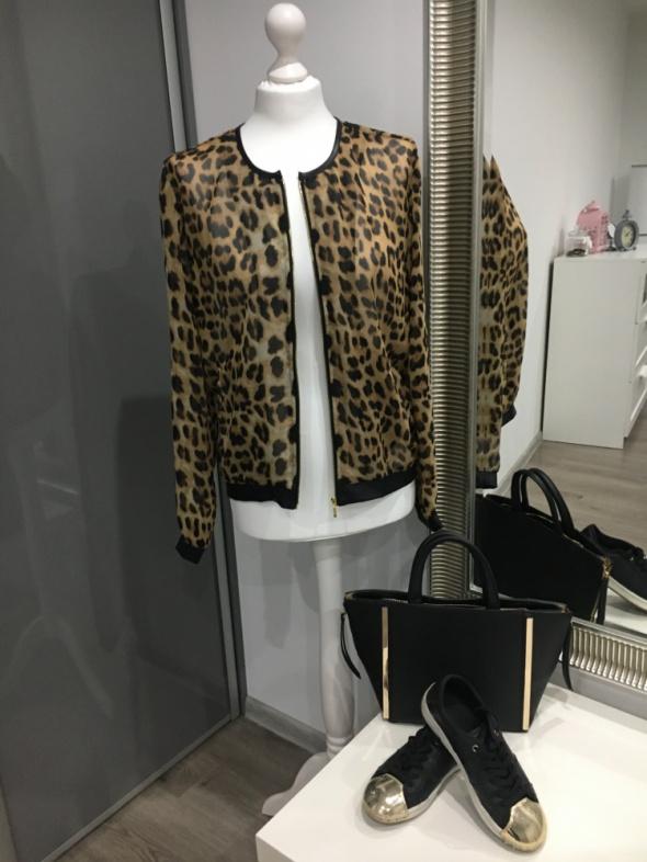 Cieniutka kurtka lub bluzeczka w panterkę