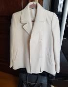 Biały płaszcz