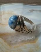 stary srebrny pierścionek z pięknym sodalitem