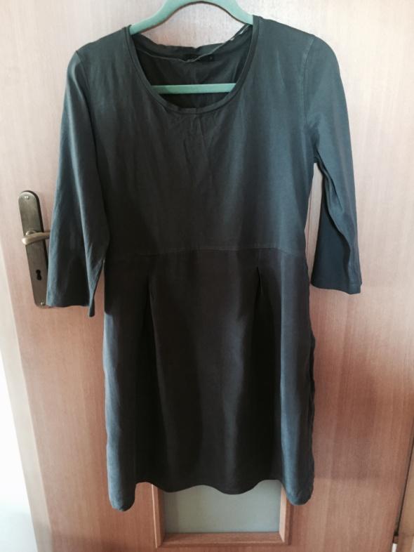 Szara sukienka COS...