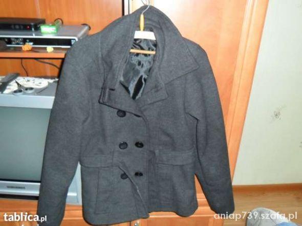 Płaszcz mini na zimę dopasowany 36 S